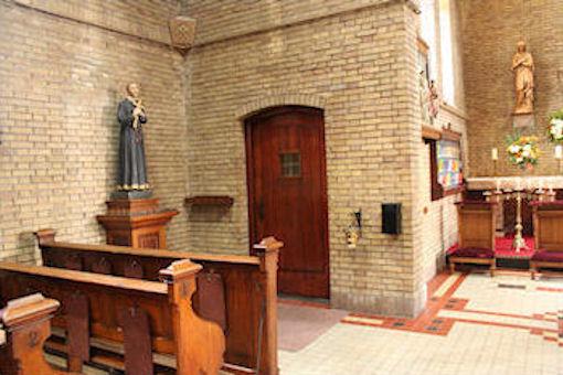 Ingang voor in de kerk