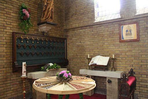 Rechts voor in de kerk